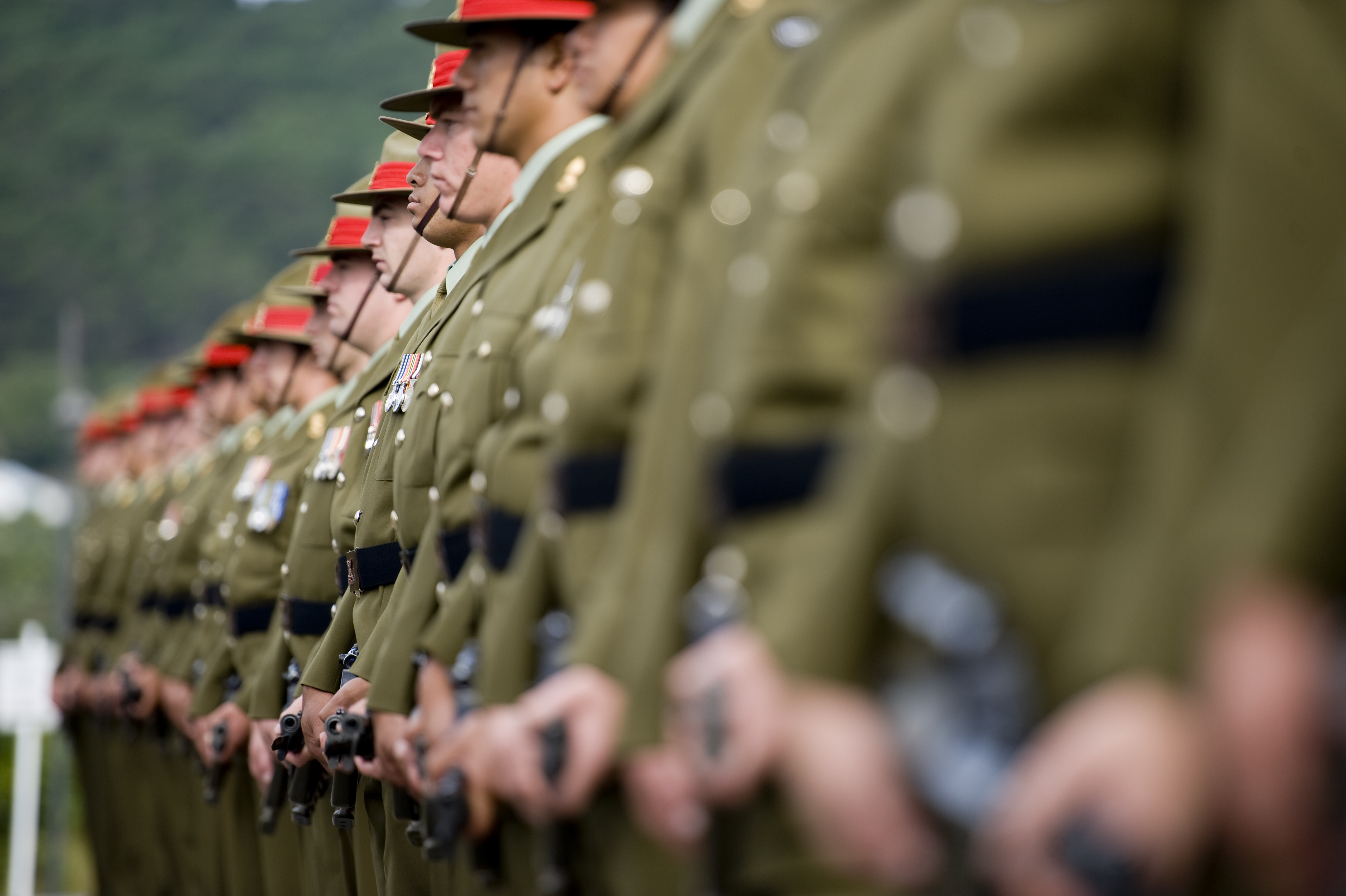 Image: Line of soldiers in uniform